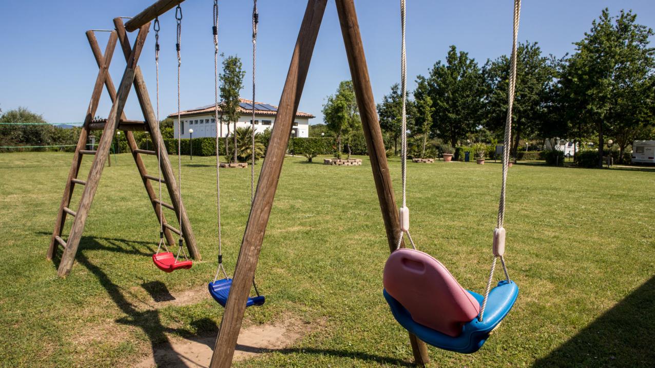 Spazio verde comune di oltre 4000 metri quadri con attrezzature sportive e parco giochi per bambini